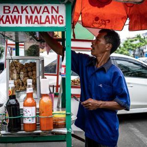 バクワンを売る屋台 (インドネシア)