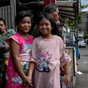 ジャカルタで会った笑顔の女の子 (インドネシア)