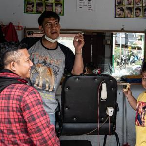 床屋にいた三人 (インドネシア)