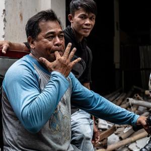 指笛を吹く男 (インドネシア)