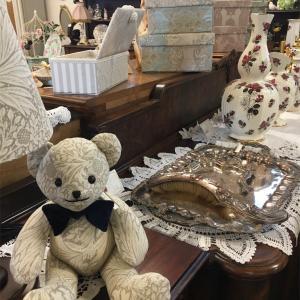 軽井沢で一押しのアンティーク家具ショップ「ベルリネッタ軽井沢」へようこそ