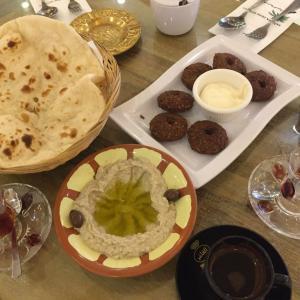 KLにある豪華な中東料理レストラン【水タバコ(シーシャ)も可能】