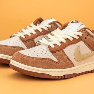"NIKE DUNK LOW ""MEDIUM CURRY"""