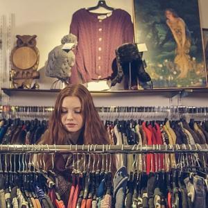 なぜ服をたくさん買ってしまうのか?買いたい衝動を抑える、洋服を買いすぎない方法