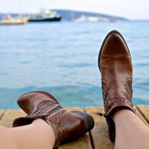 安く対策!ブーツを履くときに臭い匂いが気になる人の対処方はこれ!