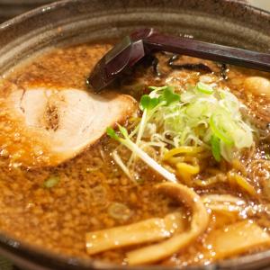 【札幌】ラーメン共和国「白樺山荘」は背脂チャッチャ系。醤油が旨し