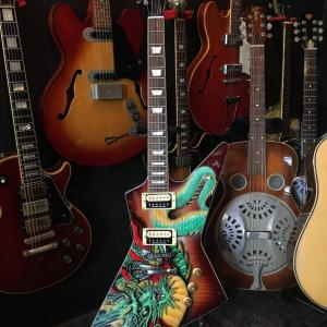 エアブラシアートギター タイからのエクスプローラ❗