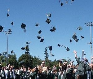社畜生活から卒業したいだけで海外移住するのはアリなのか?