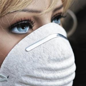 新型コロナウィルスで騒がれるマスクの効果について介護士の私が考えてみる。