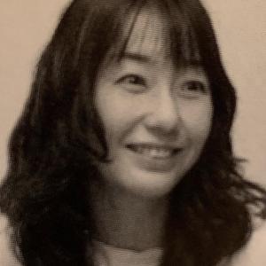 No,21 芸術的小説家と言えば、芥川賞受賞者の川上弘美先生である。