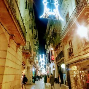 ・スペイン・夜のデル ピとオシャレなジェラート屋さん♪バルセロナ〈54〉