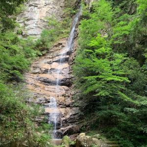 鳥取県日野町 滝山神社と龍王滝(幽霊滝)