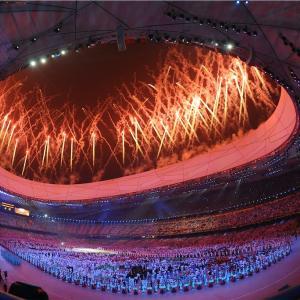 オリンピックの開会式観てます♪
