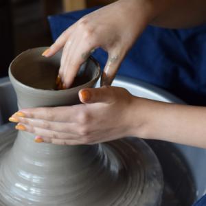 金沢観光なら訪ねてみたい石川県立伝統産業工芸館の実演体験