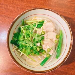 ベトナム米粉麺(チキンフォー)