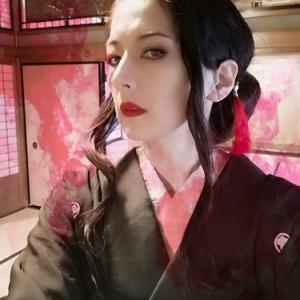 『鬼滅の刃』、最終巻発売記念!女無惨コスプレ。