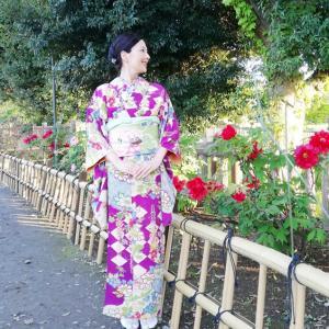 牡丹コーデで、毎年恒例の牡丹の咲き誇るお寺へ。
