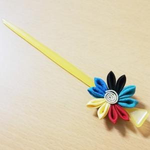 ☆手芸部☆行き当たりばったりつまみ細工・オリンピックカラーの菊?桜??