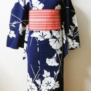 まさかの高級品でたまげた!、朝顔柄藍地に白抜き浴衣&朱赤の博多半幅コーデ。