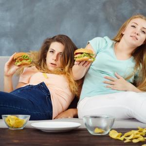 食べすぎをリセット!食欲をコントロールするための具体的な方法とは