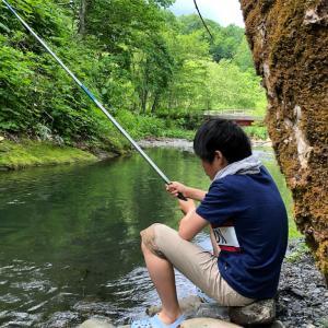 ヤマメ釣り解禁 渓流釣りとデイキャンプ