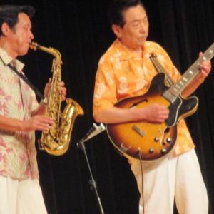 飯塚雅幸が8/11(水)大曲「フォトアトリエ・イノウエ」5周年記念、野外コンサートに出演します。