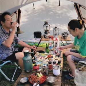藤間知枝日本舞踊稽古場の庭のテントです。