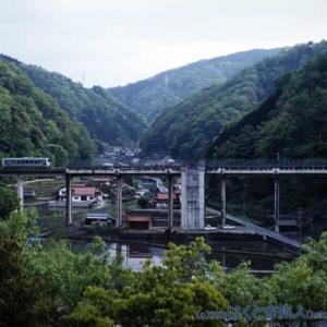 山間の駅(宇津井駅にて)