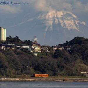 大山(伯耆富士)と一畑電車と(松江イングリッシュガーデンにて)