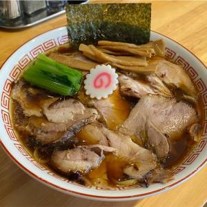 二日酔い気味なので、たっぷり汗をかくために狛江駅近くの「柳麺かいと」でしょうがしょうゆらーめんを頂いた! #グルメ #食べ歩き #ラーメン #ラーメン大好き #狛江