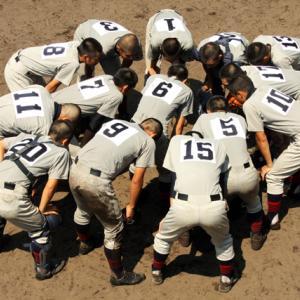 チームワークの大切さ!野球は一人じゃ何もできない