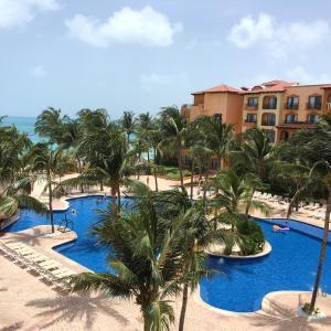 カンクン(Cancun)に到着