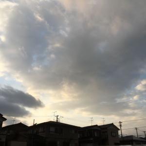俄か雨、夕方は一時荒れ模様
