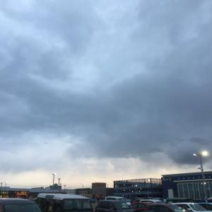 雲多い天気続く