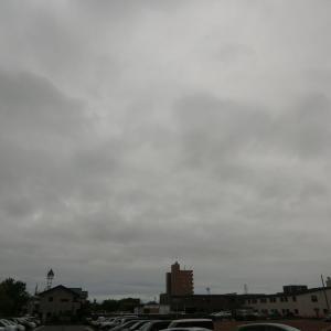 曇り空の日続く