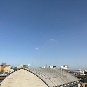 巻雲と飛行機雲