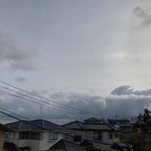 雲多くすっきりせず
