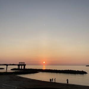連日の澄んだ日没