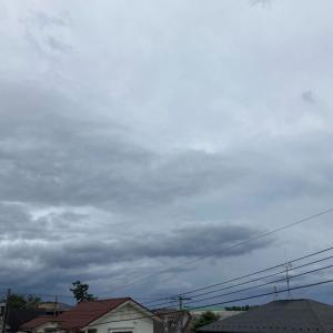 雷鳴伴う俄か雨