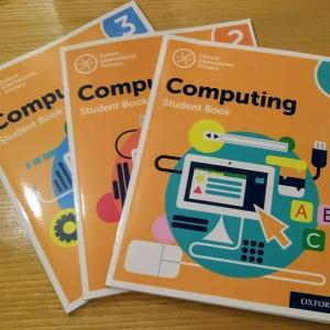 海外(イギリス)の小学校で行われているプログラミングの授業とは?海外の教科書を入手してみました!