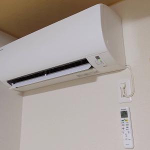 飼育部屋のエアコンを停止できない。