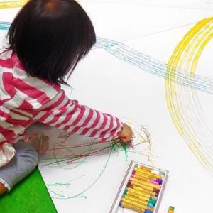 ぬり絵は文字の練習にもなる。自律神経を整える効果も