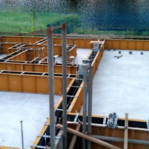 新築工事その3【基礎工事(2)】ベースコンクリート打設、基礎立ち上がり型枠