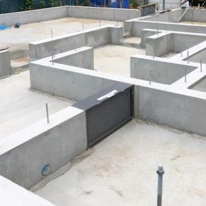 新築工事その4【基礎工事(3)】立ち上がりコンクリート、水道配管、防蟻剤