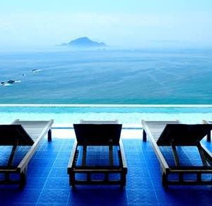 碧い海へ流れるような温泉『伊良湖ビューホテル』(愛知)