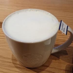ミルクたっぷりのスタバのティーラテのカスタマイズがおすすめ