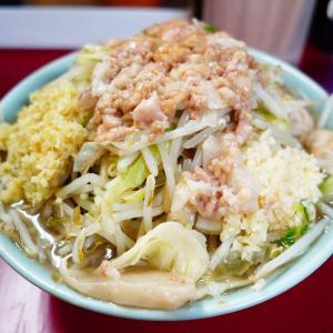 ラーメン二郎 中山駅前店 - しょうがが良い仕事。淡麗方向に奥行きが増す感じ。生姜湯醤油味。