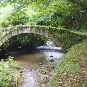出水地蔵水源・塔の瀬石橋