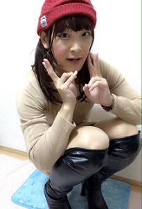 茶色のワンピースとニーハイブーツ☆