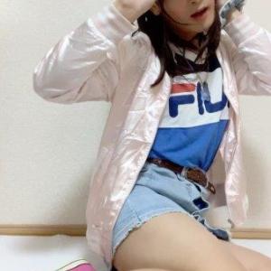 デニムミニとピンクのスニーカーコーデ☆